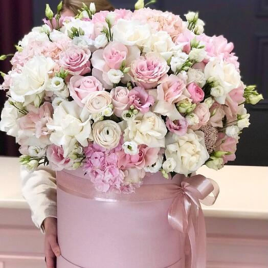 Цветы в коробке XXL Любовь