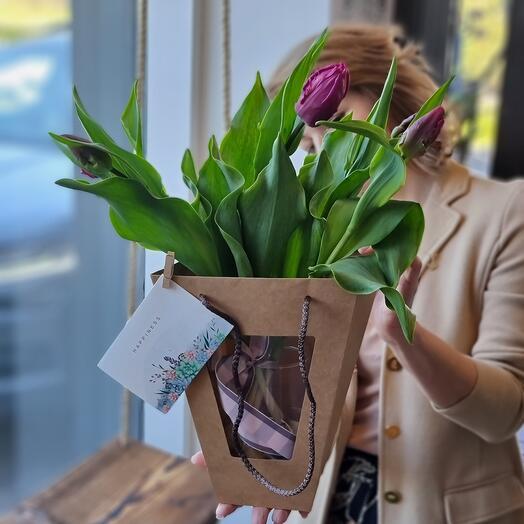 Монобукет с тюльпанами
