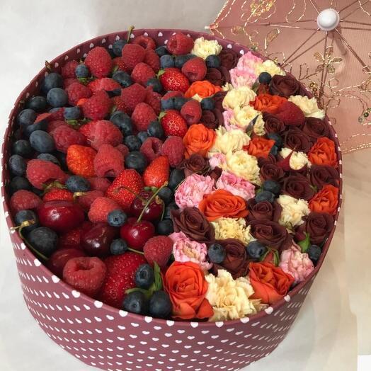 Цветы в огромной коробке