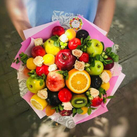 Фруктово-цветочный букет с мятой