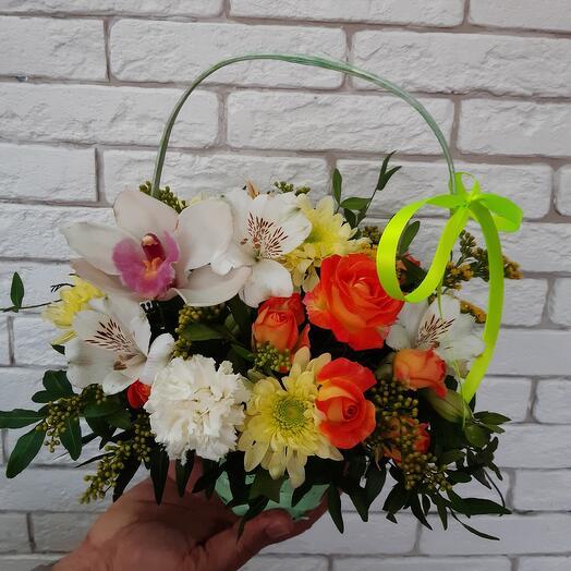Корзина с цветами 23
