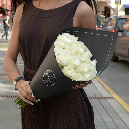 21 белая роза White Kenya BLVCK