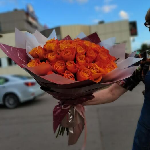 Прекрасные оранжевые розы 45 шт
