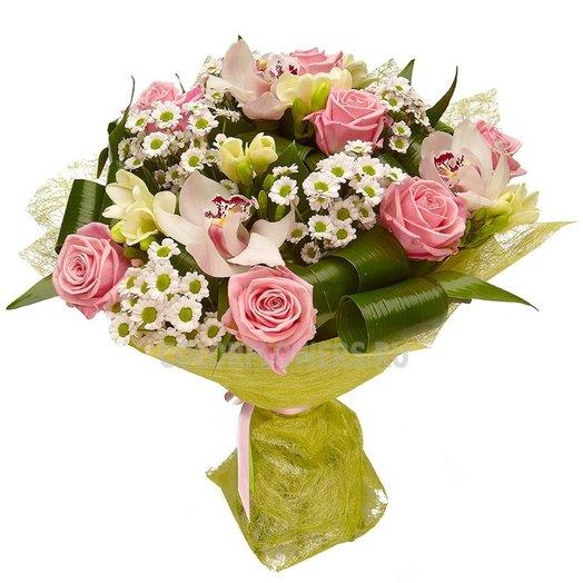 Букет Тайские каникулы из орхидей роз хризантем и зелени Код 170091: букеты цветов на заказ Flowwow