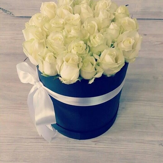 Роза в коробке 25шт: букеты цветов на заказ Flowwow