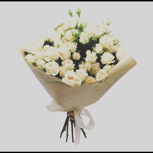Букет из белых кустовых роз : букеты цветов на заказ Flowwow
