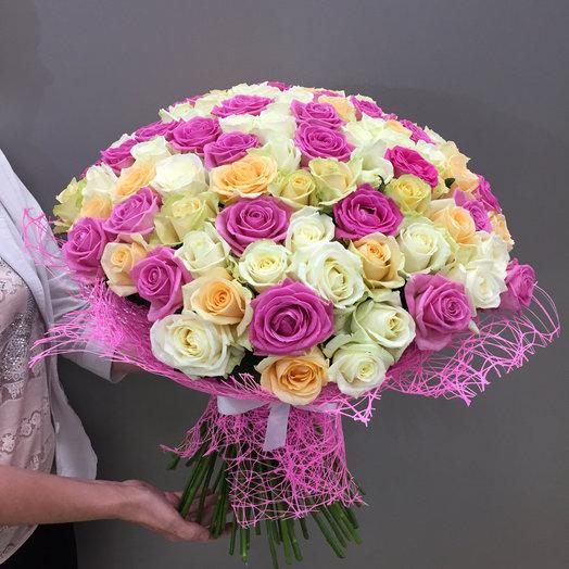 101 роза разноцветная