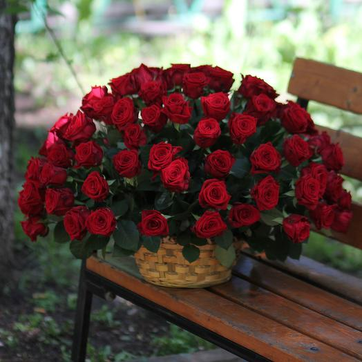 101 красная роза в корзине: букеты цветов на заказ Flowwow