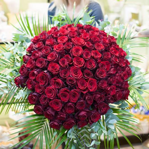 Букет из красных роз премиум класса: букеты цветов на заказ Flowwow