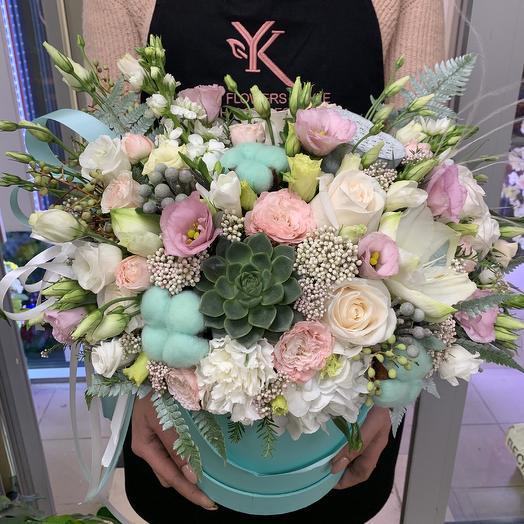 Роскошная коробочка: букеты цветов на заказ Flowwow