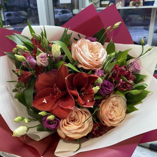 Манящий красный: букеты цветов на заказ Flowwow