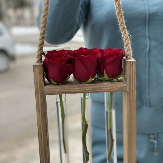 Розы в колбачках