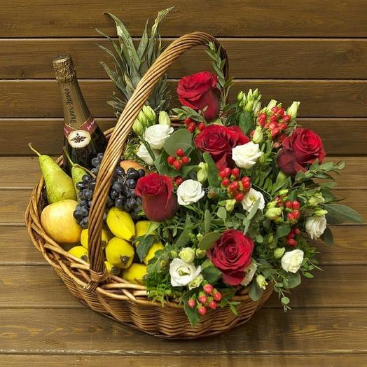 Корзина цветочно-фруктовая