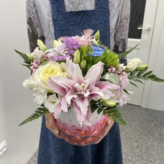 Нежность в шляпной коробочке: букеты цветов на заказ Flowwow