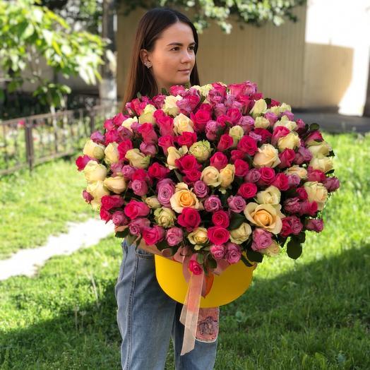 155 роз в коробке