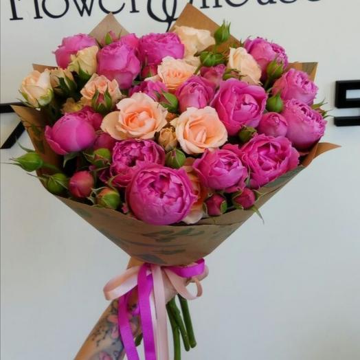 Микс из пионовидной кустовой розы
