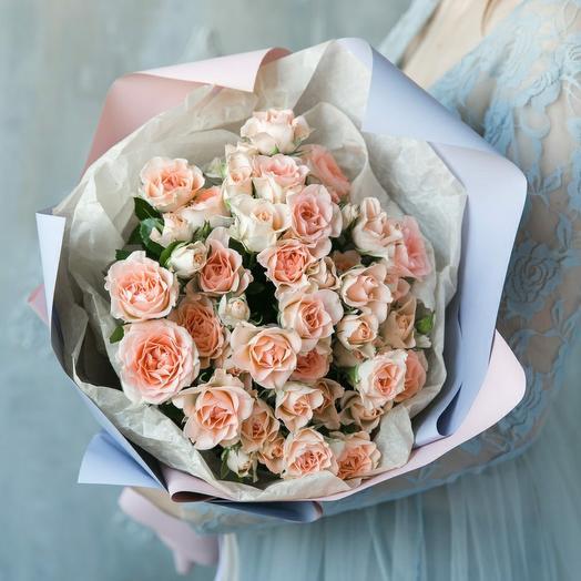 9 кустовых роз