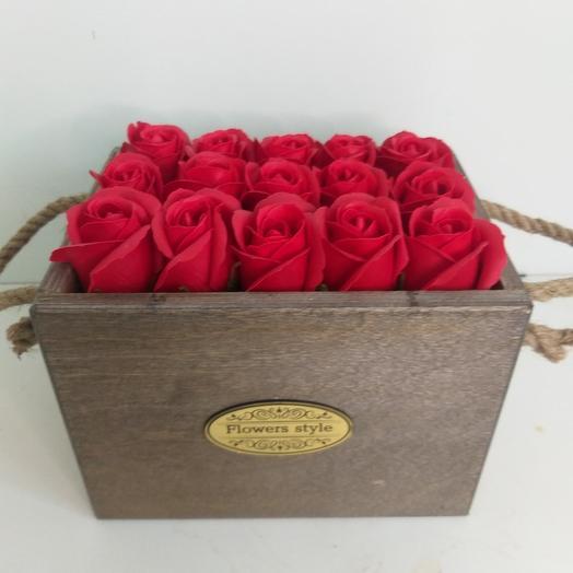 Ящик с мыльными розами