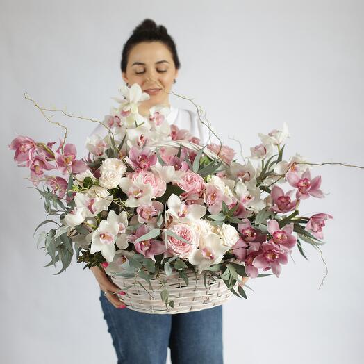 Букет с орхидеями в корзине 216