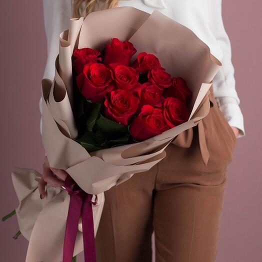 11 голландских роз в оформлении