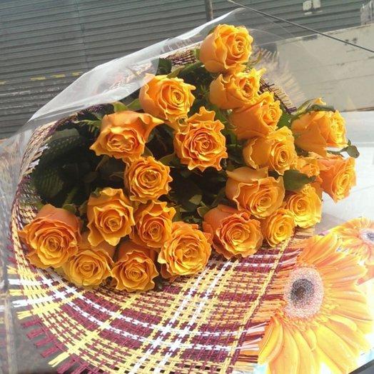 Очаровательный букет из 15 ароматнейших местных роз (Orange)