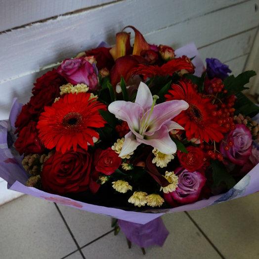 Роскошный комплимент: букеты цветов на заказ Flowwow