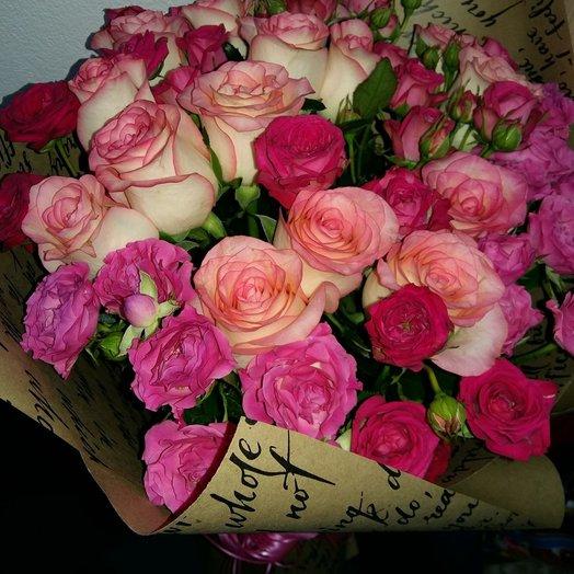 Букет из одноцветковых и кустовых роз: букеты цветов на заказ Flowwow