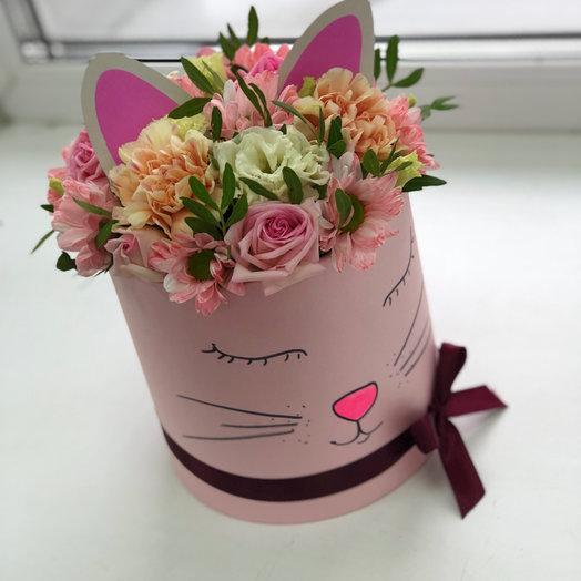 Киска с Цветами на День Рождения: букеты цветов на заказ Flowwow