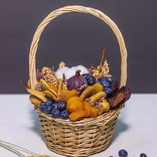 Сладкий букет из сухофруктов и ягод 33: букеты цветов на заказ Flowwow