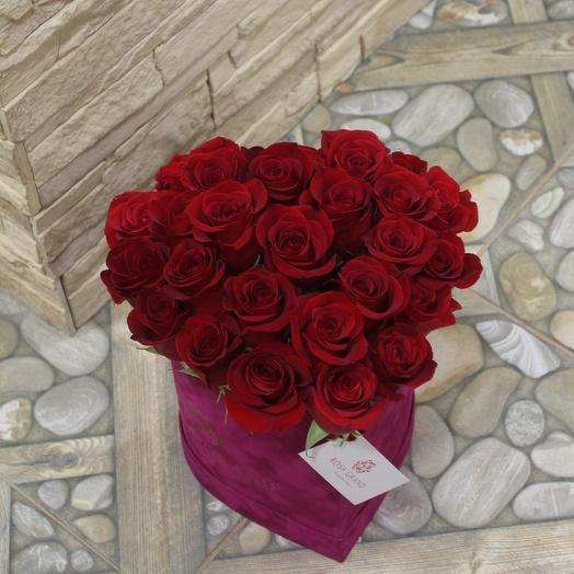 До 23 красных эквадорских роз в коробке сердце: букеты цветов на заказ Flowwow