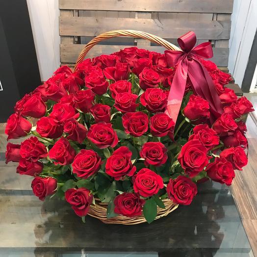 101 роза премиум  в корзине: букеты цветов на заказ Flowwow