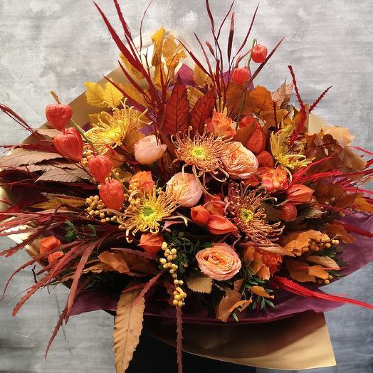 Осенний букет с хризантемой и розой: букеты цветов на заказ Flowwow