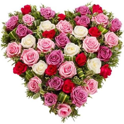 """Композиция из роз """"Сладкое сердце"""""""
