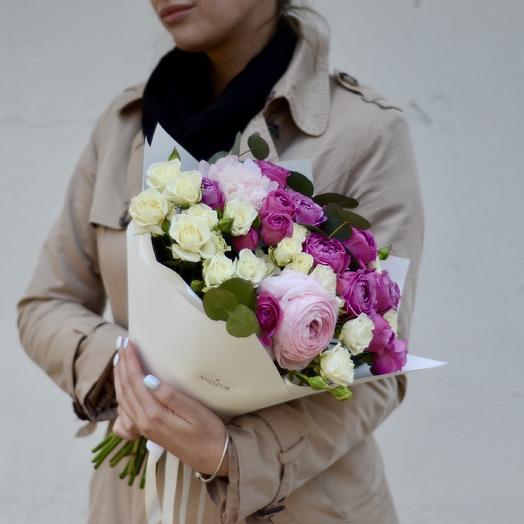 Букет с пионовидными розами Мисти Бабблз и ранункулюсами: букеты цветов на заказ Flowwow