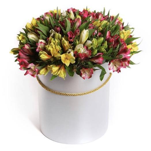 Фруктовый десерт в шляпной коробке: букеты цветов на заказ Flowwow