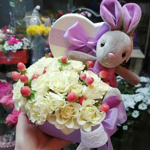 Зайка в сердце: букеты цветов на заказ Flowwow