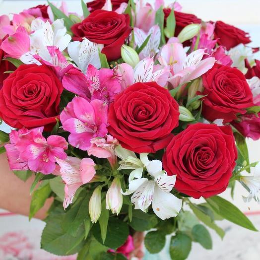 Розы+альстромерия