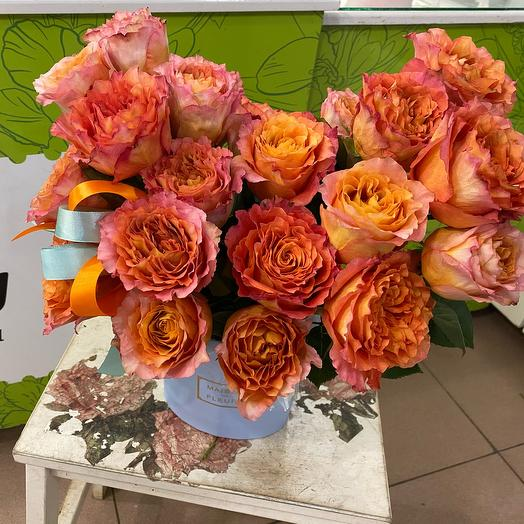 Фирменная с розами
