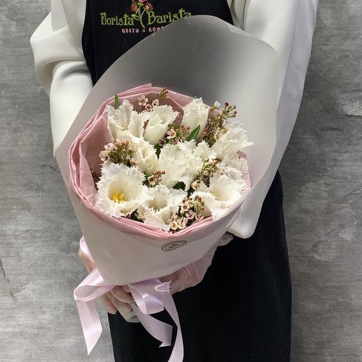 Букет снежные тюльпаны