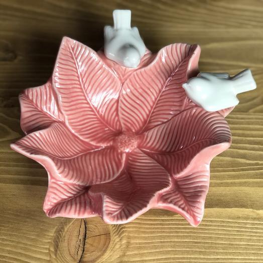 Блюдо «Голубки на цветке», 16,5×18 см, цвет розовый