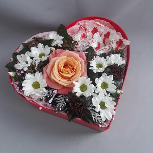 Сердце с раффаело и розой