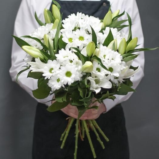 Лилия в хризантеме