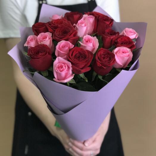 Букет розово/красных роз 21 шт
