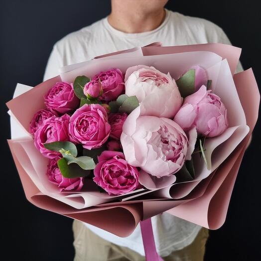 Пионы с кустовыми розами 🌿