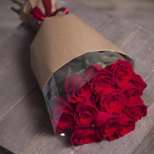 Букет из милых красных роз