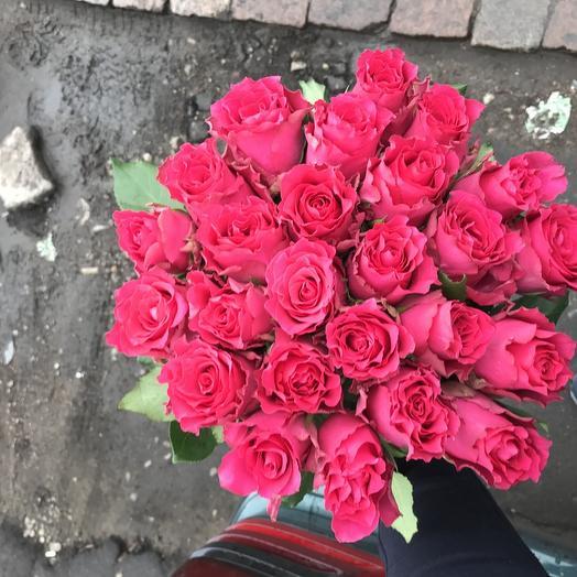 Букет из 21 розовой кенийская роза: букеты цветов на заказ Flowwow