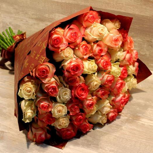 101 роза в упаковке: букеты цветов на заказ Flowwow