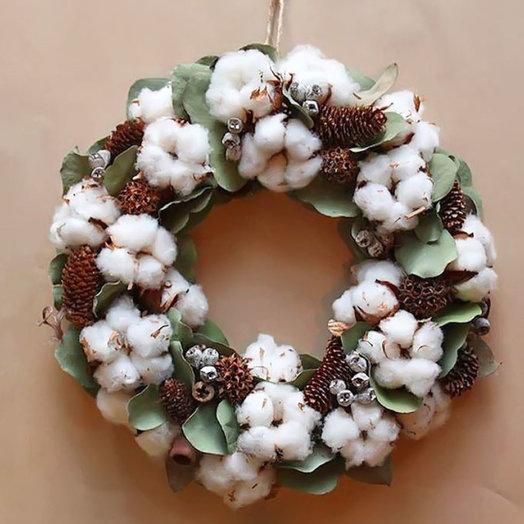 Рождественский венок «Зима в разгаре»: букеты цветов на заказ Flowwow