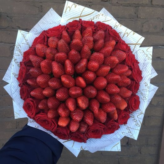 Strawberry Roses: букеты цветов на заказ Flowwow