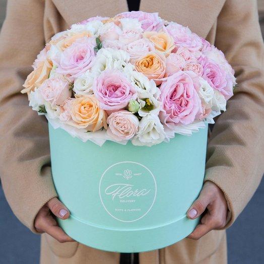 Букет Adele в шляпной коробке Grand Mini GREEN: букеты цветов на заказ Flowwow